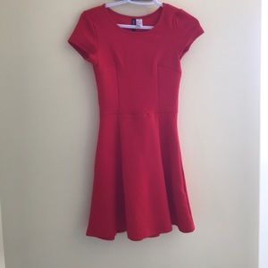 "H&M ""Divided"" textured red dress - size 2"